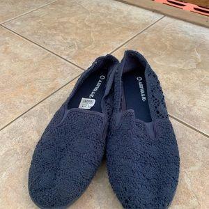 Airwalk slip-on shoes  SIZE 11
